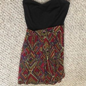 Sleeveless Aztec print dress